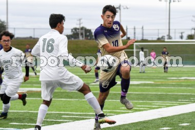 https://s3.amazonaws.com/risportsphoto2/Soccer/Boys%20Soccer%202017/Cranston%20East%20Saint%20Rays%20Boys%20Soccer%20October%2016%202017/Cranston_East-Saint_Raphael-Academy-Boys-Soccer-October-16-2017_slider.jpg